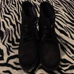 Sz9.5 Merona Black Wedge Boots EUC Worn Once